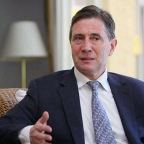 Είπε ο Βρετανός Ύπατος Αρμοστής: «Θα βοηθήσουμε για λύση του Κυπριακού»… και γέλασανόλοι!