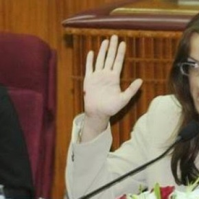 Τουρκοκύπρια βουλευτίνα καταγγέλλει τον τουρκικό στρατό ότι βίαζε Ελληνοκύπριες Θύελλα αντιδράσεων μέσα στο τουρκοκυπριακό κοινοβούλιο και έπεσε κυριολεκτικά σανβόμβα
