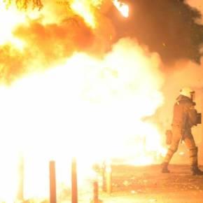 Παρακρατικοί καίνε την Αθήνα με ανοχή Σαμαρά – Πολεμικό σκηνικό για αποπροσανατολισμό στήνει ησυγκυβέρνηση