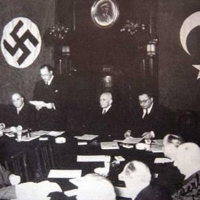 Οι Τούρκοι μοίρασαν φυλλάδια στην Αθήνα που αποκαλούν την Κυπριακή Δημοκρατία «ΕλληνοκυπριακήΔιοίκηση»