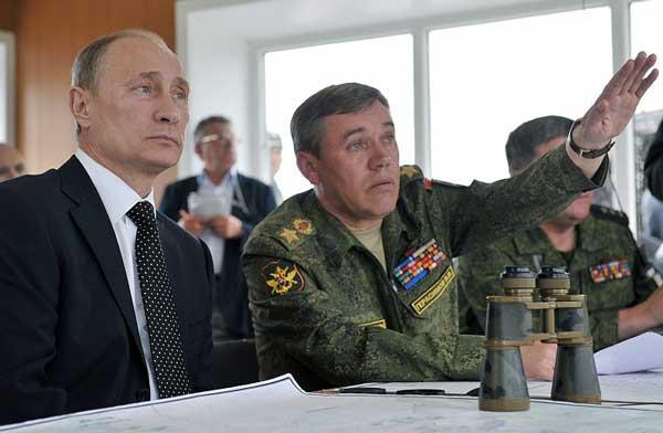 AAA_Russia-Military-Exerc_sham-725x474