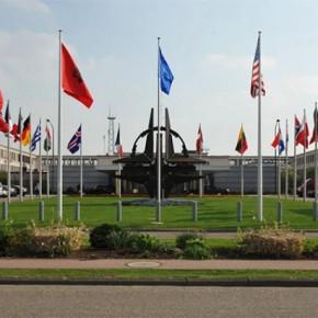 «Εμφύλιος» στο ΝΑΤΟ: Αξιωματούχοι των μυστικών υπηρεσιών προειδοποιούν τη Συμμαχία να σταματήσει τα «παιχνίδια» σε βάρος της Ρωσίας(βίντεο)