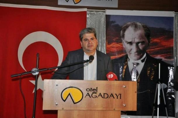 Ο-τούρκος-Ζεϊμπέκ-κατά-του-Ευρωβουλευτή-Γλέζου...-Αλέξη-δεν-έχεις-να-πεις-κάτι-620x412