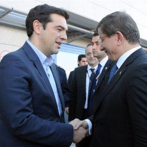Συνάντηση Τσίπρα-Νταβούτογλου στο «Ελ.Βενιζέλος»Επί τάπητος διμερείς σχέσεις-Κυπριακό