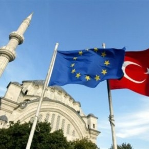 Hurriyet: Η Τουρκία απέχει έτη φωτός απο την ένταξη στηνΕΕ