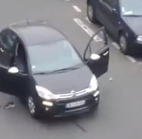 Σοκαριστικό βίντεο από Παρίσι: Δολοφονούν εν ψυχρώ με σφαίρα στο κεφάλι Γάλλο τραυματισμένοαστυνομικό