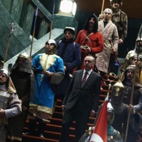 «Σπάνε πλάκα» στην Τουρκία με τους «φρουρούς» του Ερντογάν! Χαμός με φωτόπαρωδία