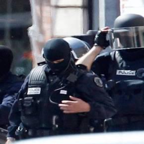 ΕΚΤΑΚΤΟ: Νέοι πυροβολισμοί στο Παρίσι με τραυματίες δύο αστυνομικούς – Άγνωστος τους πυροβόλησε μεκαλάσνικοφ
