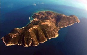 AYTO είναι το ΝΗΣΙ πού «χαρίσαμε» στην Αλβανία στις 5 Ιουνίου του1914!