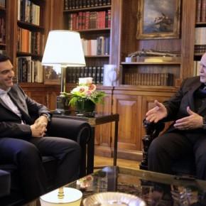 Ο Αλέξης Τσίπρας ορκίστηκε πρωθυπουργός – Έλαβε την εντολή σχηματισμού κυβέρνησης – «Μας περιμένει ανηφορικός δρόμος» είπε στον ΚάρολοΠαπούλια