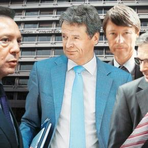 Ανεπίσημες εκτιμήσεις της Ε.Ε. κάνουν λόγο για διπλασιασμό του δημοσιονομικού κενού για το 2015 Διαβάστε στον ΕΤτΚ: Απειλή τρίτου Μνημονίου για τη νέακυβέρνηση