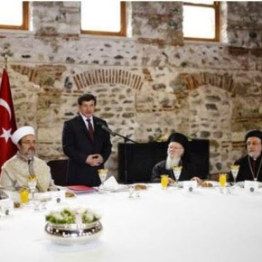 Τουρκία: Ο Νταβούτογλου συναντήθηκε με τους θρησκευτικούς ηγέτες τηςχώρας