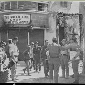 Οι βρετανοί συνεργάζονται με τους Τουρκοκύπριους και κάνουν τα στραβά μάτια στην ένοπλη δράση τους, εναντίον τηςΕΟΚΑ