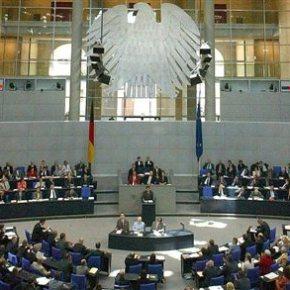 Σόιμπλε: Η συμφωνία για παράταση θα διακοπεί, αν την παραβιάσει η Αθήνα «Εμβρόντητος» από τις δηλώσεις Βαρουφάκη ο γερμανός υπουργός οικονομικών – Την Παρασκευή η απόφαση της γερμανικής Βουλής για τηνπαράταση