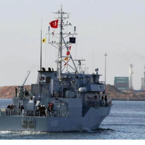Τουρκική φρεγάτα στονΠειραιά