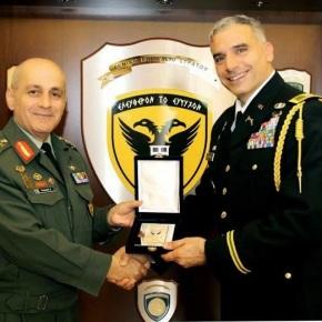Επίσκεψη του Στρατιωτικού Ακόλουθου των ΗΠΑ στονΑ/ΓΕΣ