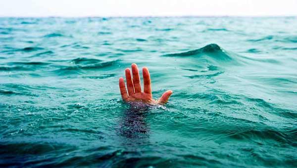AAA_man-drowning