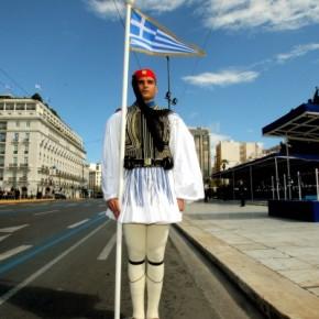 Παπαδημούλης κατά ΥΠΕΘΑ για παρέλαση: «Λιγότερα ταρατατζούμ κι έξοδα στομέλλον»