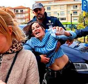 Έρχεται η σειρά μας; «Σοκ και δέος» από βίαιες ομαδικές εξώσεις των ΜΑΤ κατά οφειλετών στηνΠορτογαλία