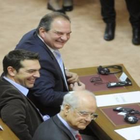 ΟΛΟΙ ΣΤΗΡΙΖΟΥΝ ΠΛΗΝ ΣΑΜΑΡΑ-ΒΕΝΙΖΕΛΟΥ Κ.Καραμανλής στηρίζει Α.Τσίπρα: Μέσω Ε.Αντώναρου διθύραμβοι για τις δηλώσεις τουπρωθυπουργού