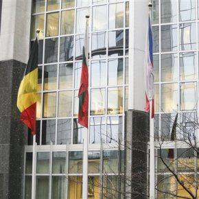 Αρχισε σε πολεμικό κλίμα η διαπραγμάτευση στις Βρυξέλλες – Ηρεμία ζητά η Κομισιόν από τα δύο μέρη Στο Παρίσι ο κ. Βαρουφάκης – Την Πέμπτη ο Πρωθυπουργός συναντά τον Γκουρία του ΟΟΣΑ – Αναβαθμίστηκε ο Μαζούχ – Κλιμάκια των ΕΚΤ, ΕΕ, ΔΝΤ φτάνουν στηνΑθήνα