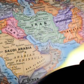 To μέτωπο της Μέσης Ανατολής./Η ΩΡΑ ΤΩΝ ΠΡΟΦΗΤΕΙΩΝ-ΜΙΑ ΠΡΟΦΗΤΕΙΑ ΓΙΑ ΤΗΝ ΥΕΜΕΝΗ ΚΑΙ ΑΛΛΗ ΜΙΑ ΓΙΑ ΤΗΝ ΣΑΟΥΔΙΚΗΑΡΑΒΙΑ.