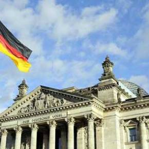 Die Zeit: Σχέδιο Γερμανίας για χρεοκοπία της Ελλάδας εντόςευρώ