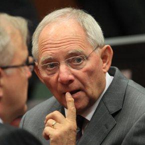 Βόλφγκανγκ Σόιμπλε: Η νέα κυβέρνηση της Ελλάδας κατέστρεψε την πρόοδο της προηγούμενης «Οι χρηματαγορές δεν ανησυχούν για το ενδεχόμενο μιας ελληνικής χρεοκοπίας», σύμφωνα με τον ΓερμανόΥΠΟΙΚ