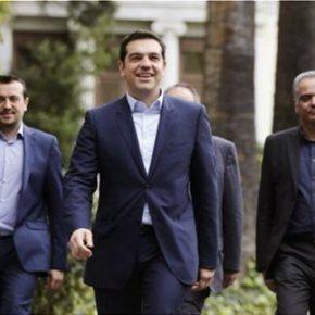Η Ελλάδα ξεμένει από χρήματα και συμμάχους Σηκώνουν Κρατικές καταθέσεις, «ξεσηκώνουν» ΗΠΑ με απελευθέρωσηΞηρού