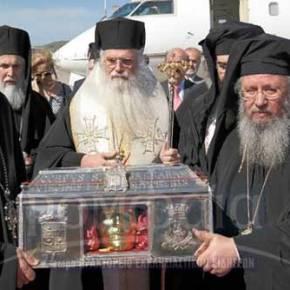 Πλήθος πιστών στον Ιερό Ναό Αγίας Βαρβάρας για να προσκυνήσουν τα ιερά λείψανα(vid)