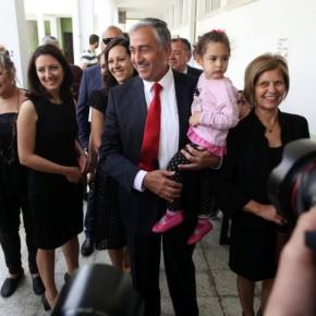 Κύπρος: Διευκρινίσεις Ακιντζί για το θέμα των εγγυήσεων «Όσο δεν υπάρχει λύση που να αποδέχονται και οι δύο πλευρές θα συνεχιστεί το υφιστάμενο σύστημαεγγυήσεων»