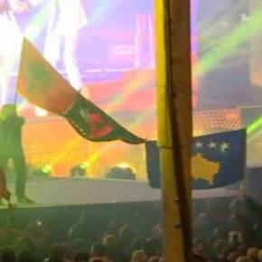 Ποιοι επιδιώκουν το «Ordo Ab Chao»: Αλβανοί σήκωσαν ανενόχλητοι στο διαγωνισμό της Eurovision τη σημαία της «Μεγάλης Αλβανίας»!(vid)