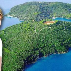 ΑΘΗΝΑ ΩΝΑΣΗ: «Μετάνιωσα που πούλησα το νησί- Εκεί βρίσκεται ο τάφος της μάναςμου»