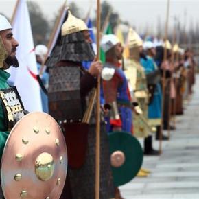 Τούρκοι στρατιώτες ντυμένοι Οθωμανοί κατά παραγγελία του Ρ.Ερντογάν