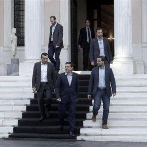 «Θα διαψευστούν τα σενάρια τρόμου» τονίζεται σε ανακοίνωση από το πρωθυπουργικό γραφείο Μαξίμου: « Θα υπάρξει λύση για ανάπτυξη μέσα στο ευρώ – Θετική εξέλιξη η σύγκληση της ΣυνόδουΚορυφής»