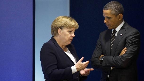 bundeskanzlerin-merkel-im-gespraech-mit-obama-archivbild
