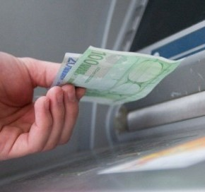 Αλλαγές στις αναλήψεις: Πότε τα ATM θα δίνουν τα 420ευρώ