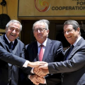 Η Βρετανία θα παραχωρήσει στρατηγικές βάσεις σε επανένωση τηςΚύπρου