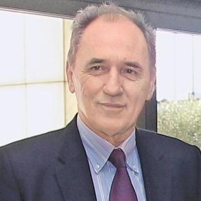 Γ. Σταθάκης: «Οποιος βουλευτής του ΣΥΡΙΖΑ διαφωνεί ναπαραιτηθεί»