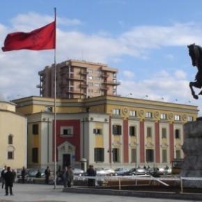 Μαζική επιστροφή μεταναστών φοβάται ηΑλβανία