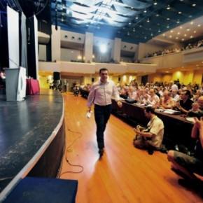 Πέρασε η πρόταση Τσίπρα για έκτακτοσυνέδριο