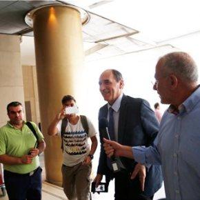 Στο τραπέζι οι αποκρατικοποιήσεις και η ανακεφαλαιοποίηση των τραπεζών Ολοκληρώθηκε η συνάντηση Σταθάκη-Τσακαλώτου με τους θεσμούς | Παρουσιάστηκε η ελληνική πρόταση για τα «κόκκινα»δάνεια