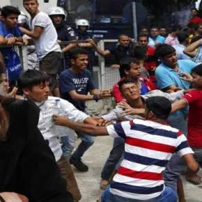 ΠΟΛΙΟΡΚΟΥΝ ΤΟ ΑΣΤΥΝΟΜΙΚΟ ΤΜΗΜΑ ΕΚΤΑΚΤΟ: Εμφύλιος λάθρο στην Κω – Συγκρούονται μέσα στην πόλη(vid)