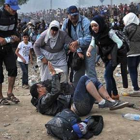 «Σουρωτήρι» τα σκοπιανά σύνορα, εισέρχονται κατά χιλιάδες οιπρόσφυγες