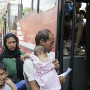 Μεταφορά μεταναστών στονΕλαιώνα