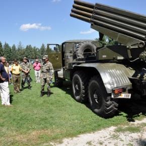 Σκόπια: Έκθεση οχημάτων μάχης και εξοπλισμού τουστρατού