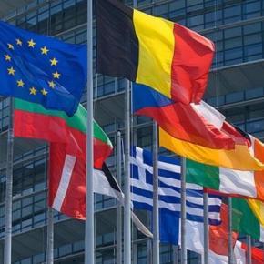 Ενέκρινε ο ESM το τρίτο μνημόνιο για τα 86 δισ. ευρώ Το Συμβούλιο του Ευρωπαϊκού Μηχανισμού Σταθερότητας (ESM) συνεδρίασε σε τηλεδιάσκεψη. Τι ανακοίνωσε ο αντιπρόεδρος τηςΚομισιόν.