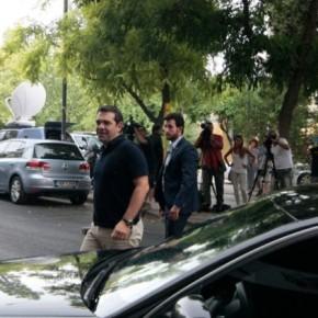 Πολλαπλά μηνύματα Τσίπρα σε ΣΥΡΙΖΑ καιαντιπολίτευση