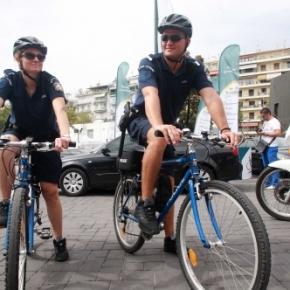 Περιπολίες με… ποδήλατα έκαναν αστυνομικοί στη ΔΕΘ-Φωτογραφίες.