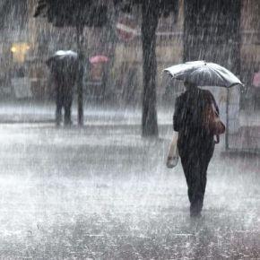 Βροχές και καταιγίδες σε όλη την χώρα – Μαύρισαν τα πάντα! Σκοτείνιασε ηΑθήνα
